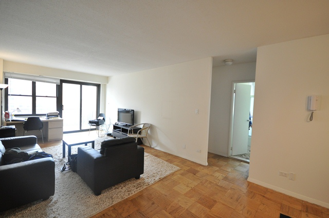 345-East-80th-Street-Apt.17J-living-Room