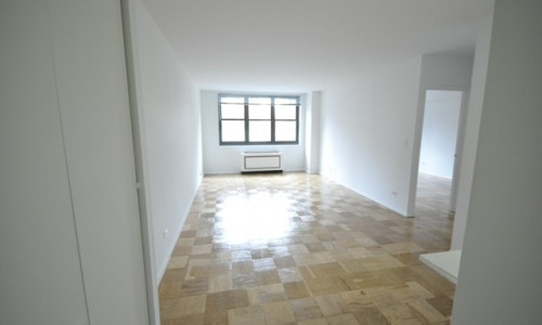 200 East 72nd Apt. 5A