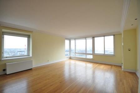 524-east-72nd-street-living-room