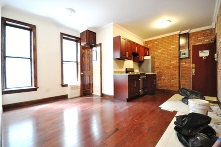 416-East-71st-Street-23-Living-Bedroom